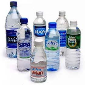 Nước uống đóng chai lên ngôi